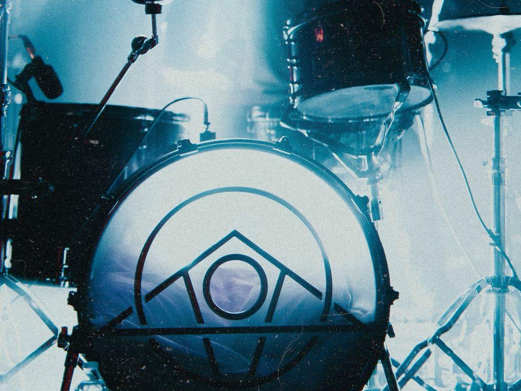 初心者バンドのメンバー探しは大変。バンドメンバーを探すおすすめ方法ヴォーカルとドラムで差が出るバンド黄金比。ドラムは上手い人と一緒にバンドしましょう!