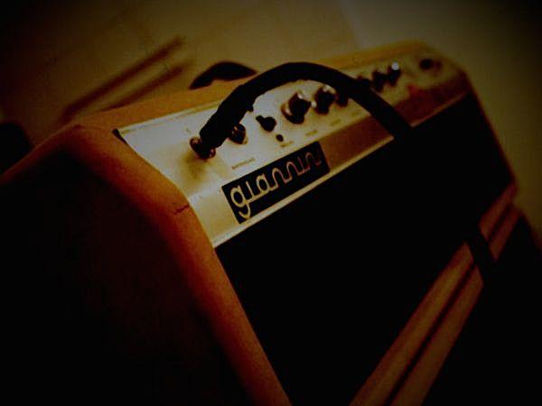 amp_1