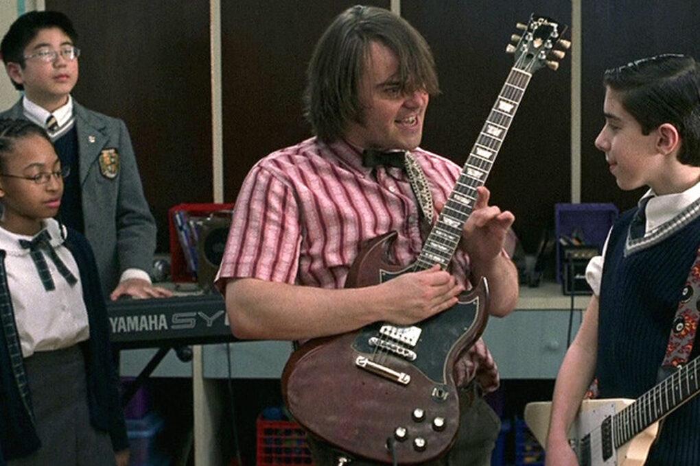 ギターを教えるデューイ(ジャックブラック)
