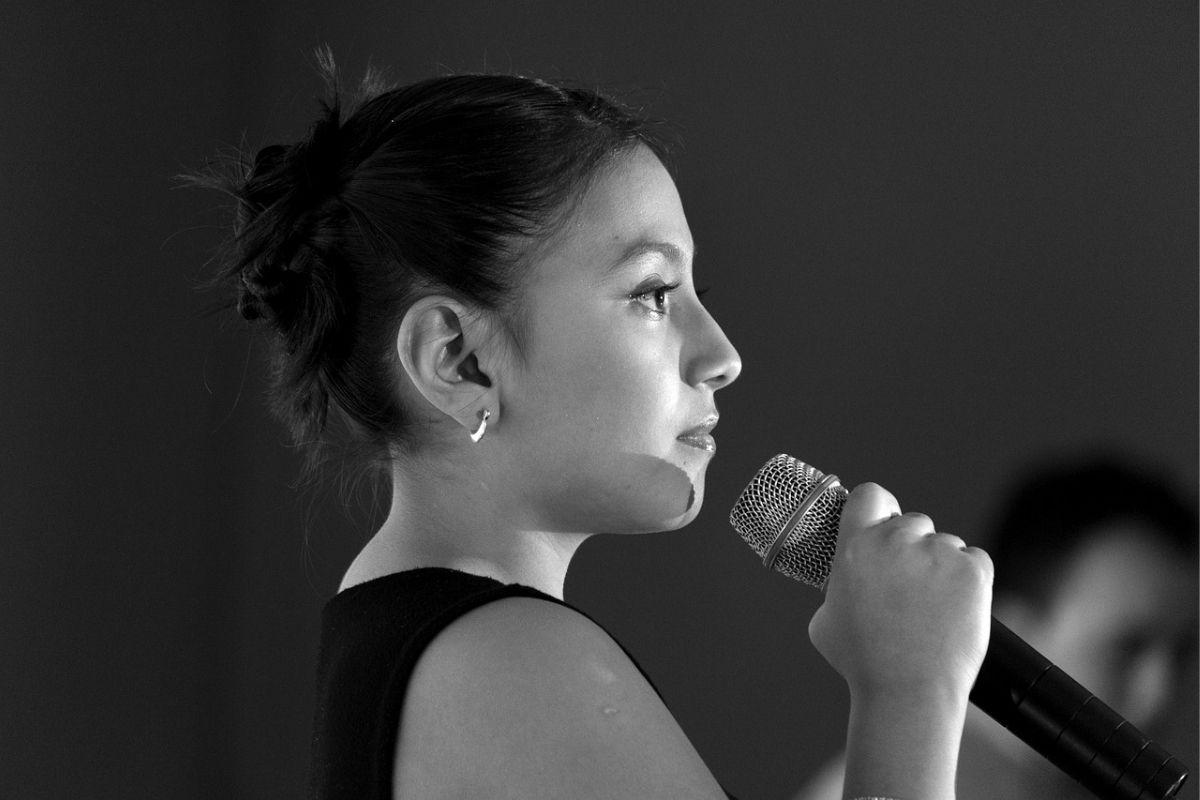 女性ボーカル